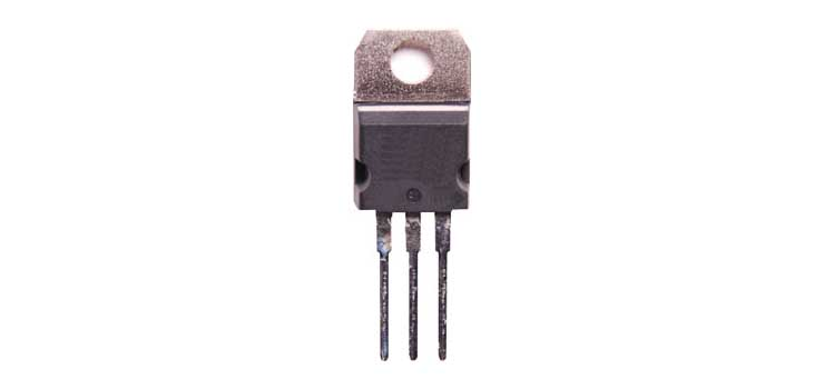 Z0592 LM2940CT-5 1A 5V Low Dropout Regulator